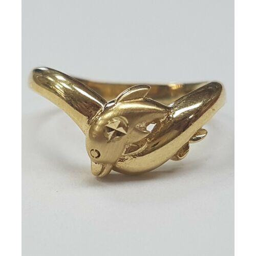 Delfines gyűrű