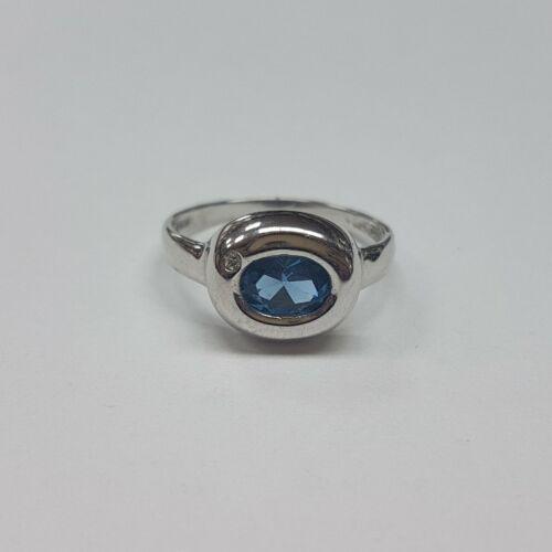Akvamarin köves fehér arany gyűrű