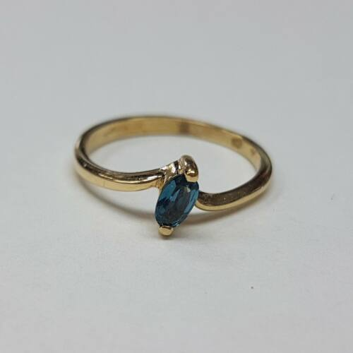 Arany kék köves, eljegyzési gyűrű