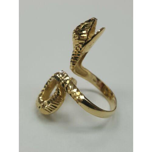 Kígyós arany gyűrű