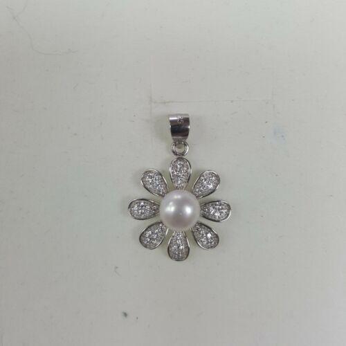 Gyöngyös virágos ezüst medál